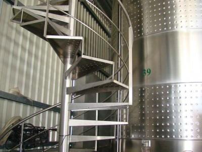 ferdinox-industria-de-aços-inoxidaveis-escada-caracol